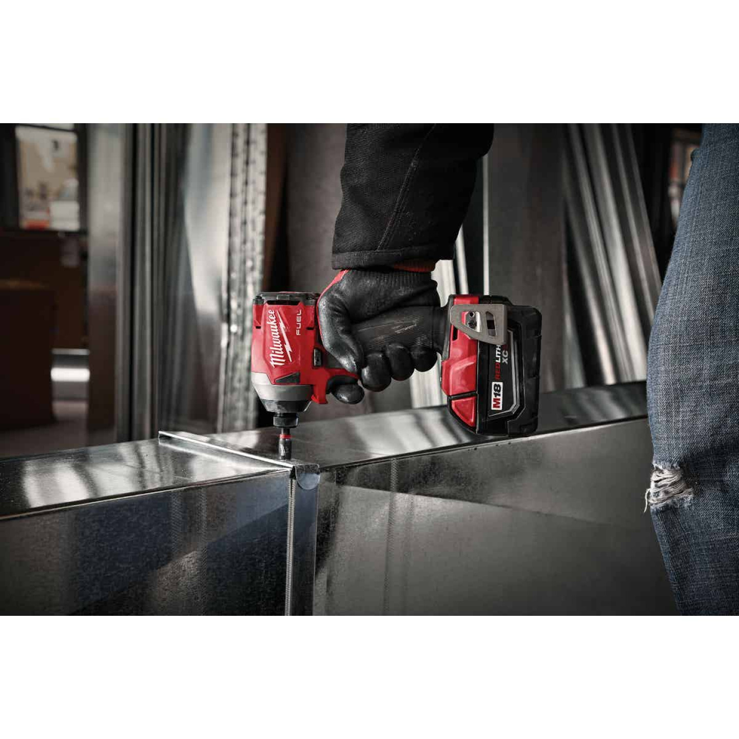 Milwaukee M18 FUEL 18 Volt Lithium-Ion Brushless 1/4 In. Hex Impact Driver (Bare Tool) Image 2